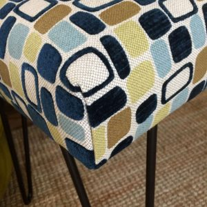 No Sew Bench Seat with black steel hairpin legs