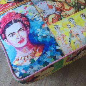 Frida Footstool piping detail