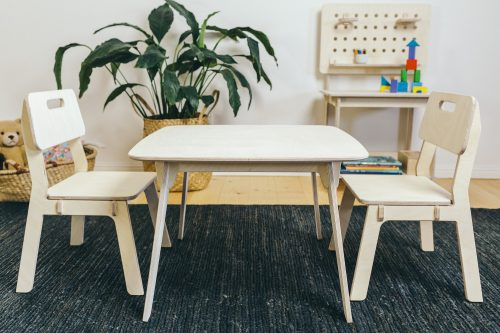 Cubby Days - Makers Table and Chairs